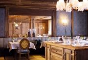 05-restaurant_babenberger_kaiserstube_mit_gedeck_trofana_royal