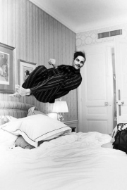 4_The-perfect-jump_Samuel-Hotel-Westminster-Paris-2012-©-Esther-Haase